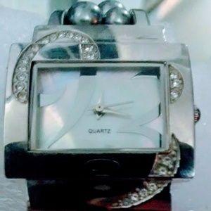 Beautiful wristwatch from Avon